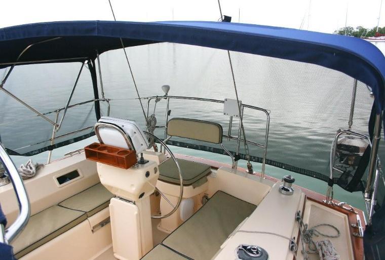 46_IP_Cockpit-760x514