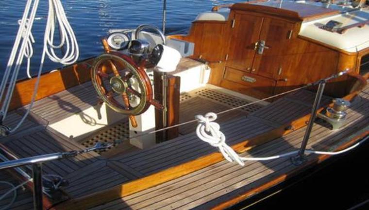 Sail-32-on-deck-760x432
