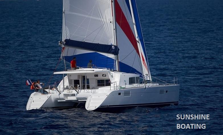sunshine-boating-44-lagoon-underway