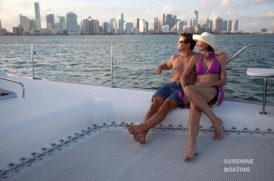 46-leopard-sunshine-boating-n