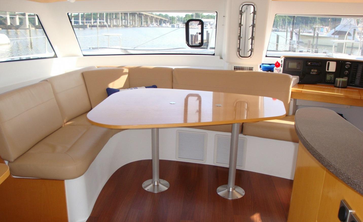 sunshine-boating-44-fp-cat-d
