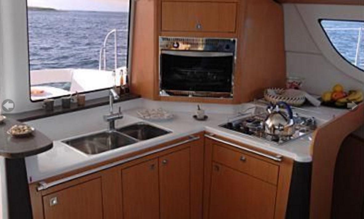sunshine-boating-cat-41-fp-h